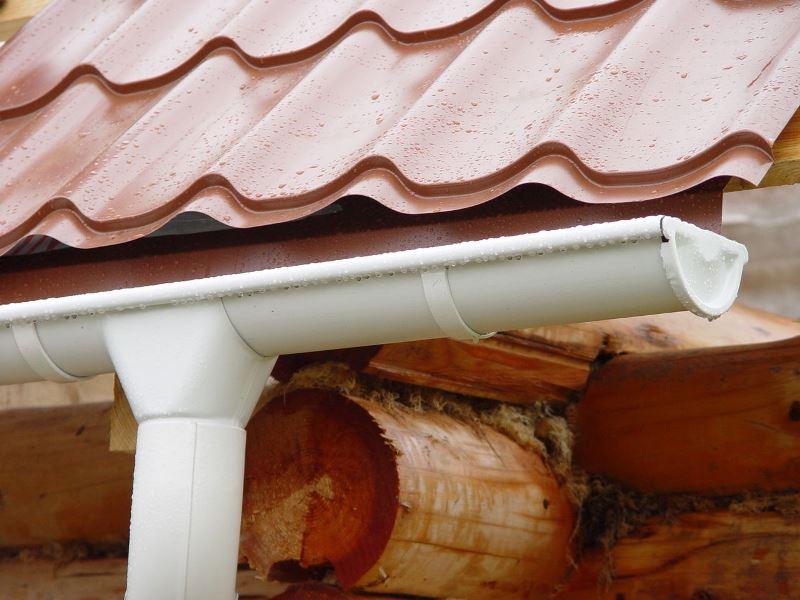 Водосточная система деревянного дома